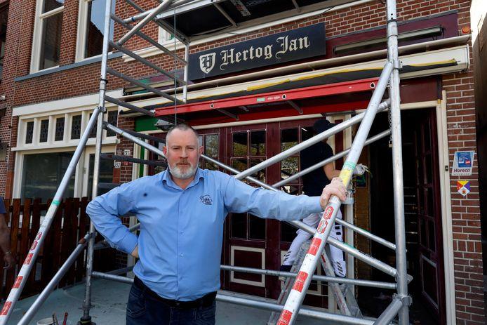 Junior Flynn bij The Irish Pub in Vlaardingen.