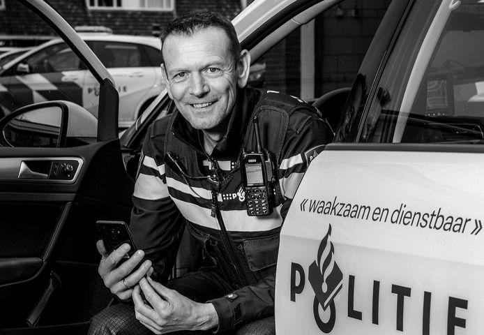 Django van Ekeren is de nieuwe wijkagent in Tiel-Noord: ,,Een leuke wijk, er zit eigenlijk van alles wat.''