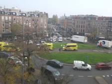Paniek op plein Amsterdam na dodelijke schietpartij: 'Zijn vrouw begon hard te gillen'