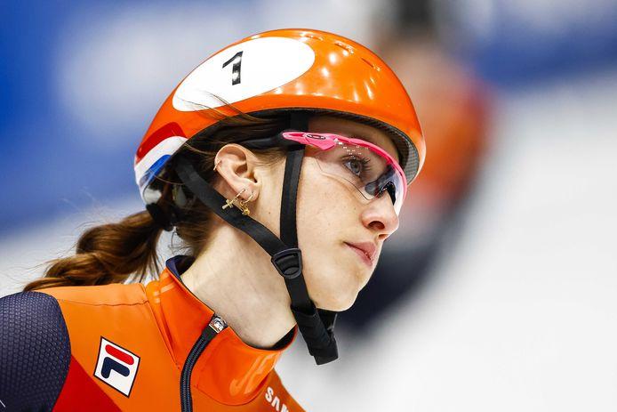 Suzanne Schulting tijdens de B finale op de 1000 meter tijdens de ISU World Cup Finale Shorttrack.
