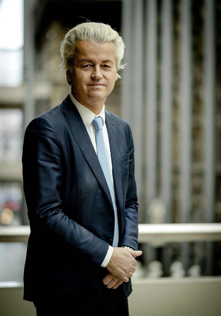"""De Nederlandse populist Geert Wilders. Sarah de Lange: """"Alle gevestigde partijen zeggen dat ze nooit met hem zullen besturen. Maar ze hebben geen onderlinge afspraak gemaakt. De vraag is dus of ze hun voornemen volhouden als de verkiezingsuitslag er ligt."""" Beeld AFP"""
