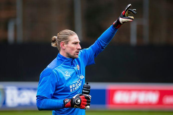 Lars Unnerstall is in gesprek met FC Twente.