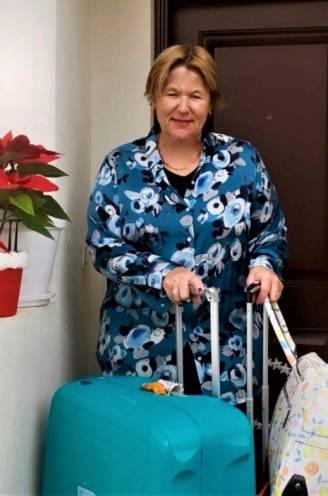 Vlucht van 2,5 uur duurt plots 10 keer langer: Nadia doet er 30 (!) uur en 5 luchthavens over om thuis te geraken