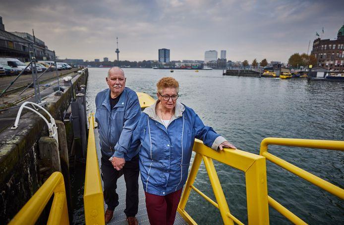 Ben van Wijnen is mantelzorger van zijn vrouw. Ze hebben een tochtje met de Watertaxi aangeboden gekregen van Stichting Humanitas.