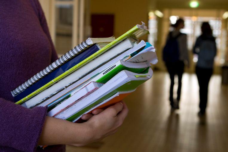 De lerarenbeurs was dit jaar snel op: leraren die komend studiejaar aan een studie wilden beginnen, visten vaak achter het net.  Leerkrachten die voor het tweede of derde jaar van hun studie een beurs aanvroegen, kregen voorrang. Beeld ANP XTRA