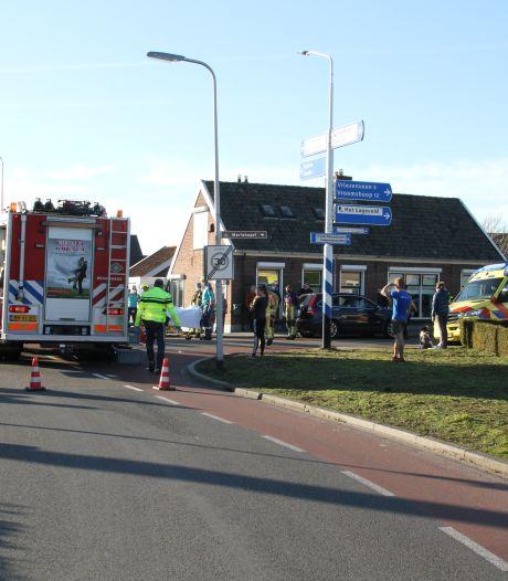 Twee personen gewond bij ernstig ongeval in Wierden: Vriezenveenseweg afgesloten