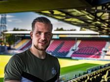 Keeper Michaelis van Go Ahead Eagles neemt liefdevol afscheid van zoontje Jax: 'We gaan je schaterlachies zo onwijs missen'