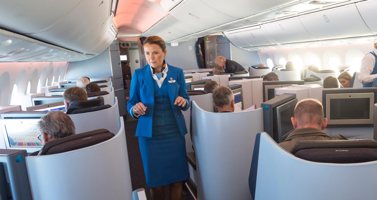 De businessclass van een KLM-vliegtuig.
