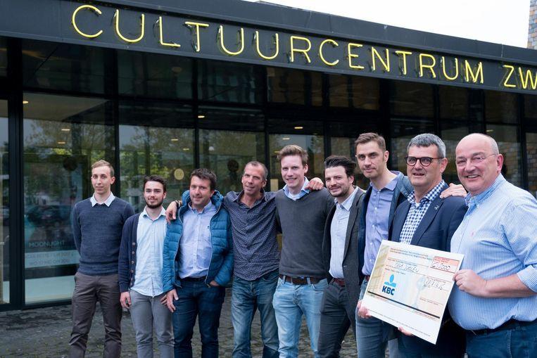 De organisatoren van Heist Loopt & Zingt en Hestival slaan de handen in elkaar voor het weekend van 26 en 27 augustus. Vorig jaar werd bij de loopwedstrijd 5.000 euro ingezameld voor MEGA-scholen.