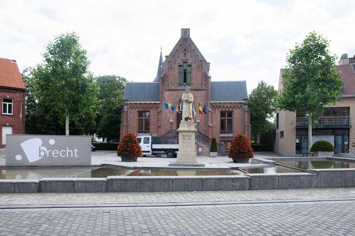Het oude gemeentehuis van Brecht. Hier worden al huwelijken voltrekken.