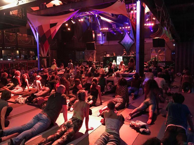 Yoga voor het dansen Beeld Marieke de Ruiter