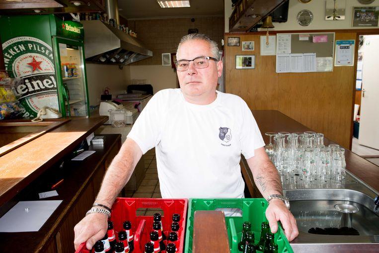 Marcel Linthorst (52): 'Als iemand naar de wc is, water in zijn bierflesje doen. Dat soort geintjes.' Beeld Marjolein van Damme