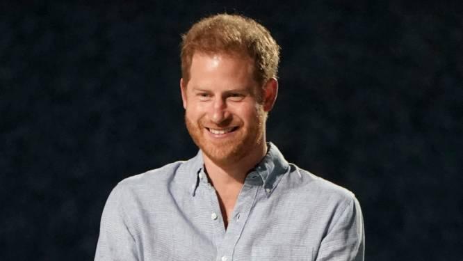 """Britse koningshuis was vermoedelijk niet op de hoogte van prins Harry's boekdeal: """"Het was complete chaos"""""""