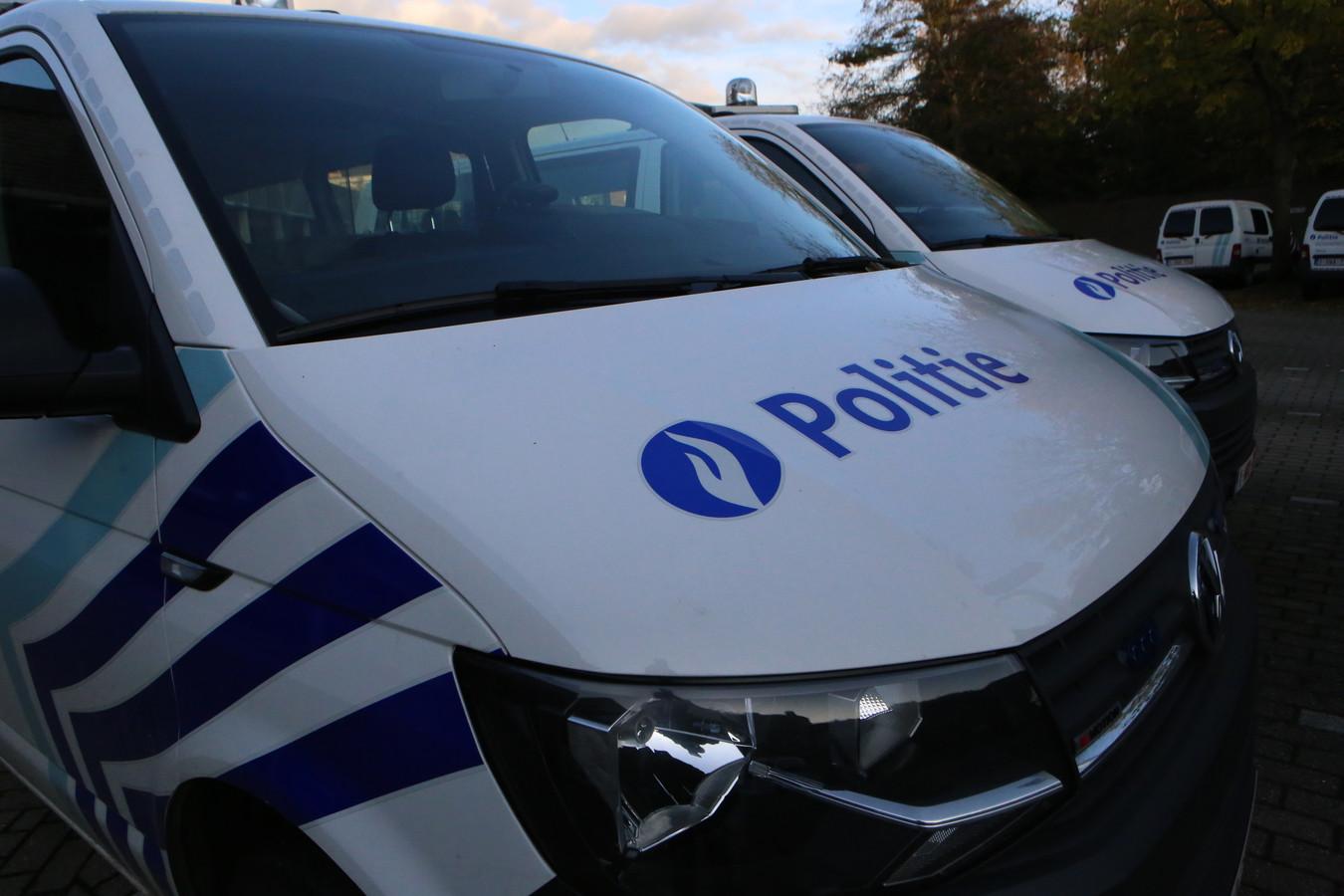 De politie die ter plaatse kwam voor de nodige vaststellingen, opende een onderzoek naar de mogelijke daders.