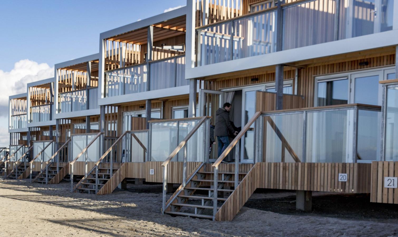 De eerste strandvilla's in Hoek van Holland zijn klaar voor de gasten.