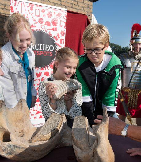 Kinderen nieuwsgierig maken naar historie Rivierenland: 'Ze halen zelf al van alles uit de grond'