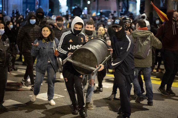 Demonstranten in Barcelona gisteravond.