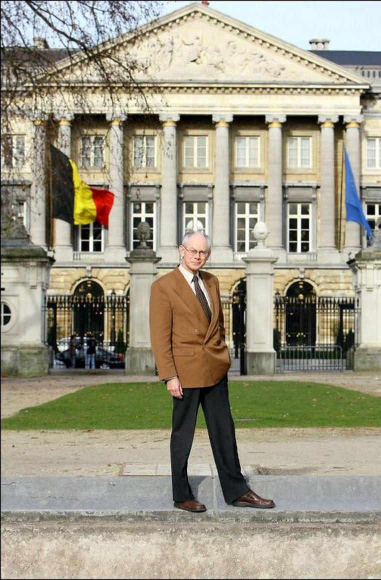Als premier voor het paleis. Beeld UNKNOWN