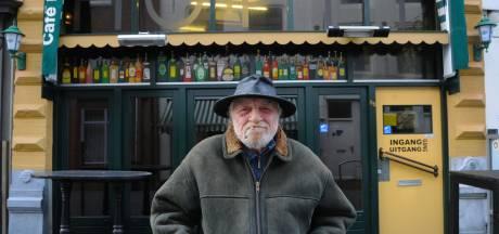 Stamgast Monty: 'Als de kroegen weer open gaan, stap ik als eerste naar binnen'