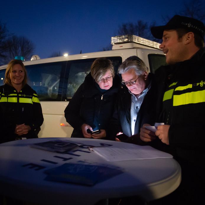 Via Twitter werd het spel Boef in de Wijk gespeeld samen met de politie.