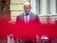 Na 'sorry' wil (en kan) Grapperhaus verder: 'Er ligt een schaduw over zijn huwelijk'