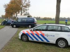 Bestuurder gewond bij aanrijding in Den Ham