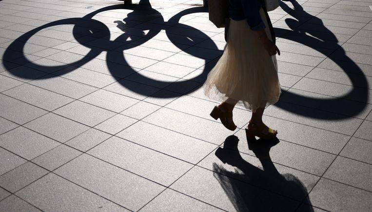 De olympische ringen zijn overal in het straatbeeld van Tokio te zien. Beeld Valery Sharifulin/TASS
