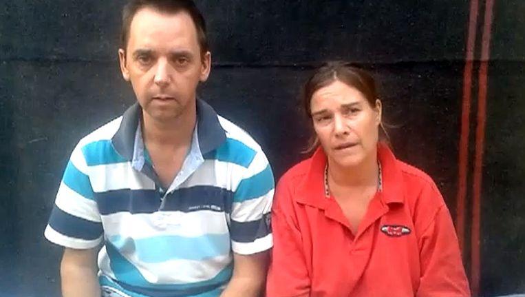 Op Facebook staat een filmpje waarop de Nederlandse journalist Judith Spiegel te zien is met haar man Boudewijn Berendsen Beeld ANP