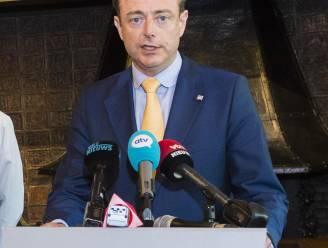De Wever legt advies federaal parket naast zich neer en geeft toch persconferentie