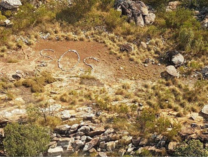 In West-Australië is in een afgelegen gebied een sos-signaal gevonden.