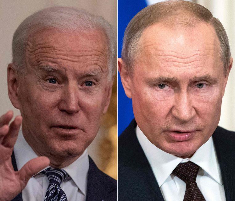 De Amerikaanse president Joe Biden (links) heeft de Russische president Vladimir Poetin in een tv-interview een moordenaar genoemd.  Beeld AFP