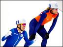 Koen Verweij verliest de sprint van Koreaan Lee-Seung-Hoon die goud wint op de massastart.
