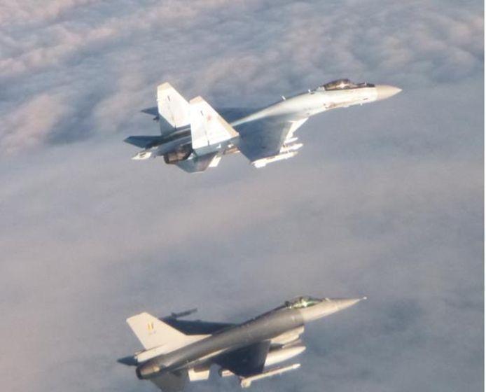 Het Russische toestel werd onderschept door een Belgische F-16.