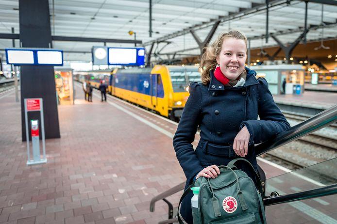 """Forens Sofie Brock ervaart regelmatig vertraging op het traject Breda-Rotterdam. """"De helft van mijn reizen gaat fout.'"""
