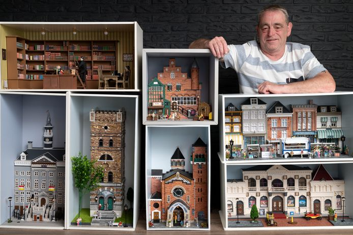 Jan Damen met zijn Bossche maquettes.