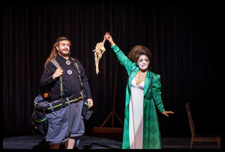 Roman Burdenko (Tonio) en Ailyn Pérez (Nedda) in Pagliacci.  Beeld Catherin Liebeler