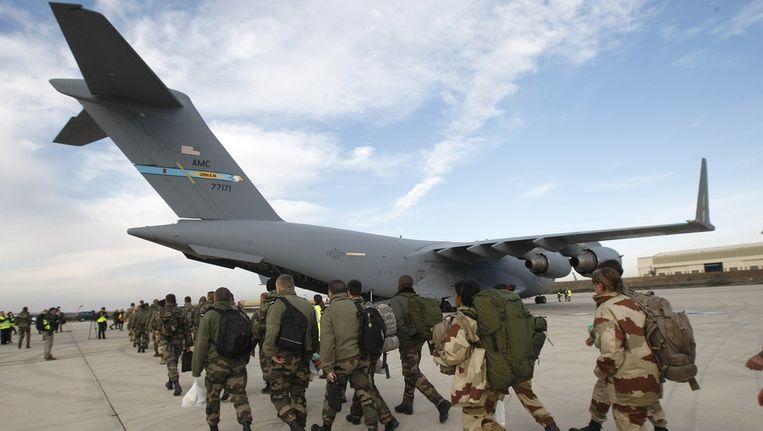 Franse militairen bereiden zich voor om te vertrekken naar Mali op 24 januari Beeld ap