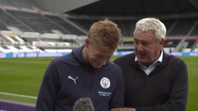 Quand Steve Bruce interrompt une interview de Kevin De Bruyne pour annoncer son transfert à Newcastle.