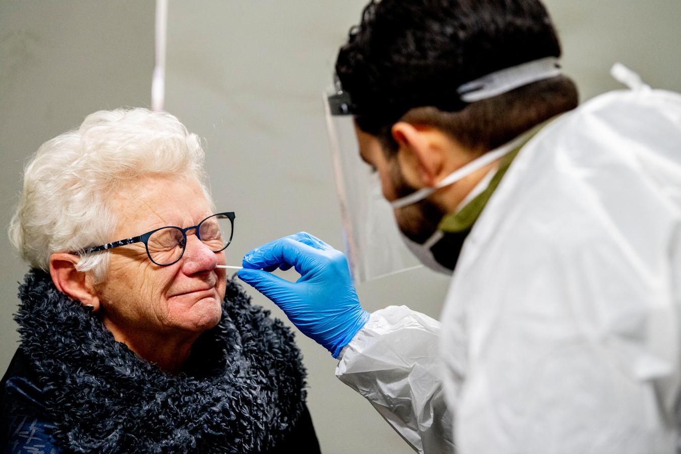 Het RIVM heeft afgelopen week 848 nieuwe besmettingen met het coronavirus vastgesteld in Rivierenland.