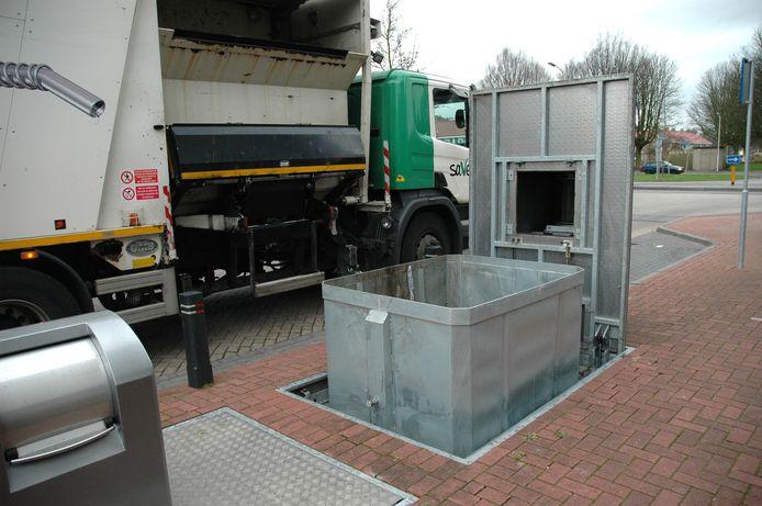 Een ondergrondse container van Saver.