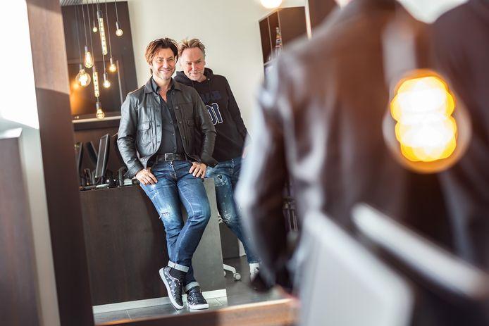 In 'Werk aan de Winkel' brengen we verhalen uit diverse branches. Dit keer Dyon Hagenaars (links) en Ger Valkenburg van DC Models.