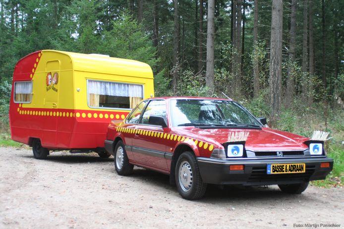 De bekende caravan van Bassie en Adriaan.