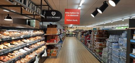 Geen gele kentekens bij Aldi Kranenburg, en wat doet het tankstation dat precies op de Duitse grens ligt?