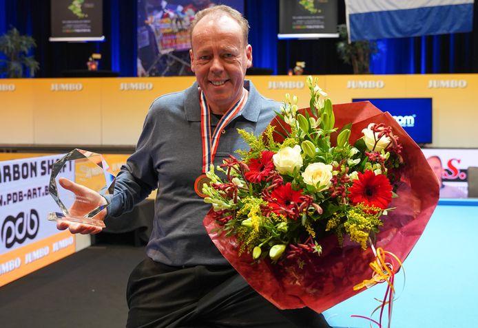 Ludo Kools uit Hoogerheide is de verrassende winnaar van het NK driebanden.