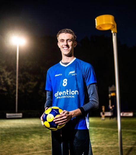 2.05 meter korfbalpassie keert terug in Arnhem: 'Korfbal League winnen is wel een doel'