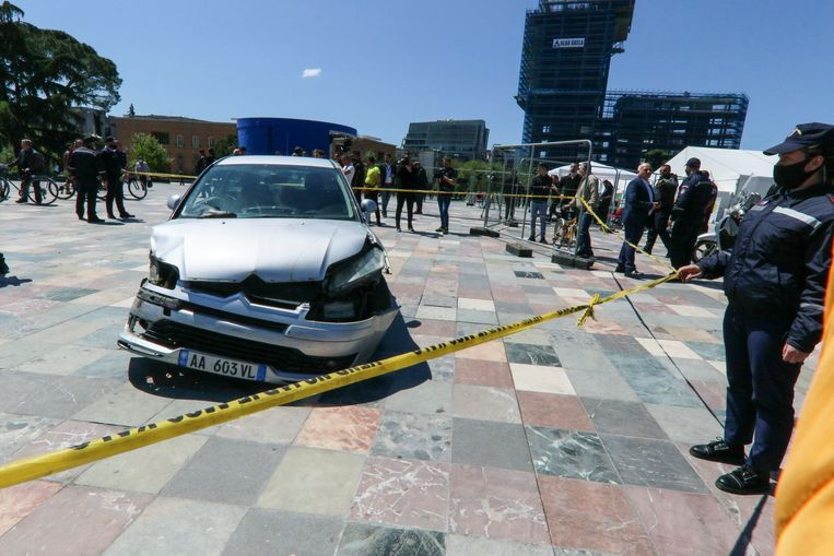 De beschadigde auto die betrokken was bij het opvallende incident. Beeld AP
