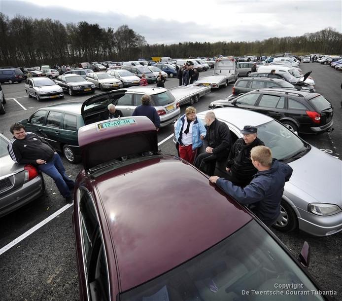 Sinds 2012 organiseerde Autowelt wekelijks de automarkt in Emsbüren.