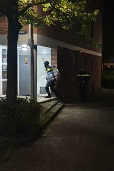 Verwarde man zorgt voor opschudding op straat in Gouda, met spoed overgebracht voor hulp