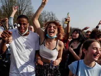 """Initiatiefnemers 'La Boum 2' dreigen met rechtbank bij grote politieontplooiing op 1 mei: """"Aanslag op onze mentale gezondheid en openbare orde"""""""