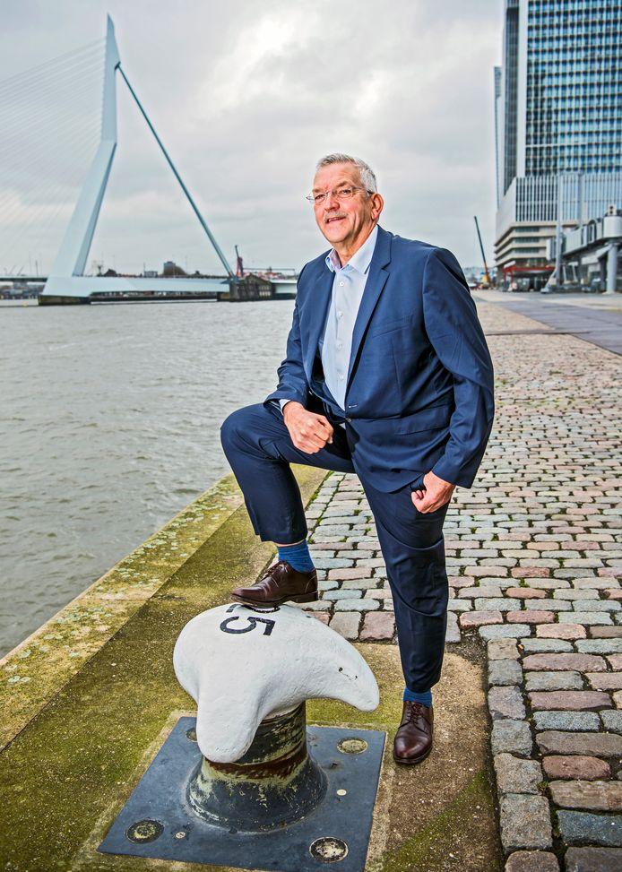 Tiedo Vellinga bij de Nieuwe Maas.
